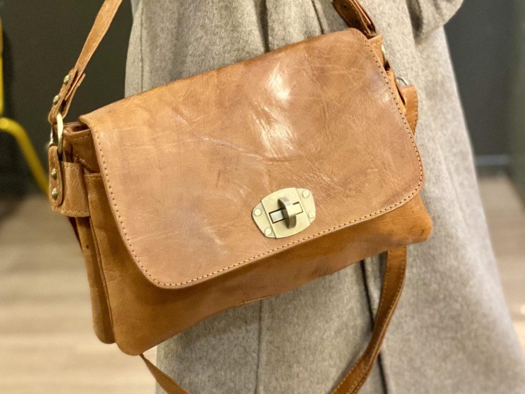 pochette camel cuir Carcassonne Toulouse montpellier_Nell Boutique